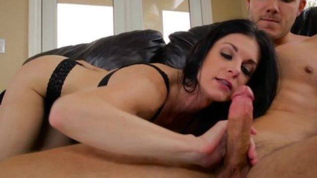 MommyBlowsBest India Summer Gives The BEST Blow Lesson